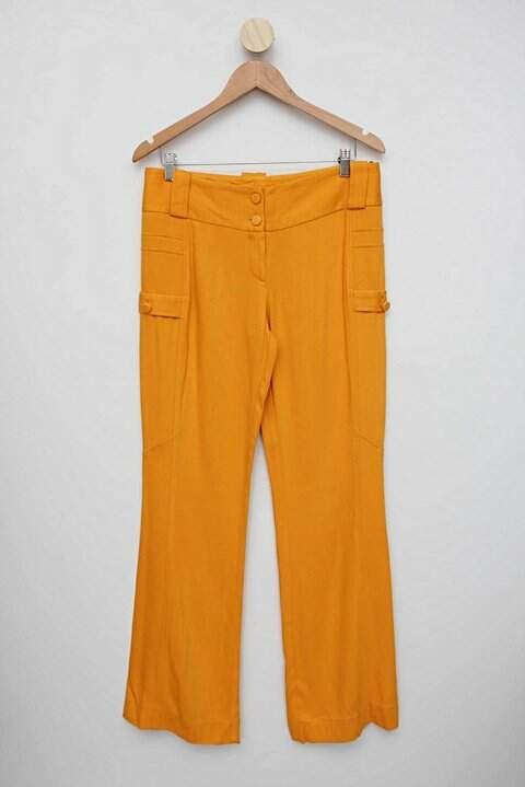 Calça Amarela Bobstore_foto de frente