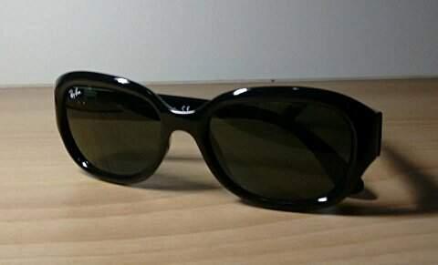 Óculos de Sol Ray Ban RB4198.  _