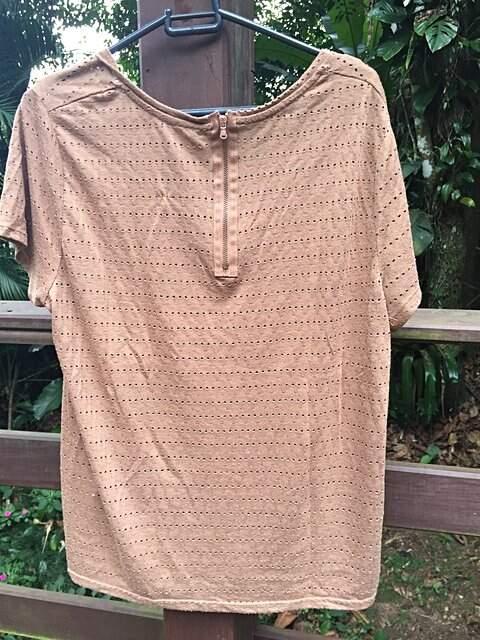 Blusa Zara básica Bege_foto de costas